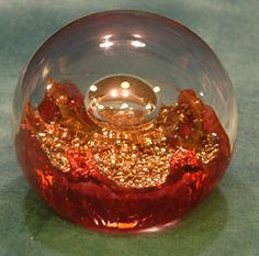 selkirk glass paperweight | Glass paperweight - red - Selkirk Glass, Electra 1993, was closed 21 ...