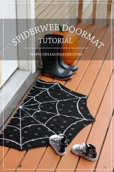 DIY Spiderweb Doormat Tutorial | 15 Halloween Decor DIY Projects