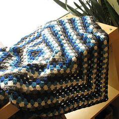 bohoknits: Classic Granny Square Blanket