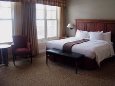 Escape the city and discover Mountain, Lake, & Land at Calabogie Peaks Resort and Hotel in the Ottawa Vallery - book a room and enjoy the luxury in Ontario! Ottawa Valley, Luxury, Room, Furniture, Home Decor, Bedroom, Decoration Home, Room Decor, Rooms