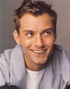 jude law may have to most perfect smile EVER! Loves me some Jude Law. Jude Law, Pretty Men, Gorgeous Men, Hello Beautiful, Pretty People, Beautiful People, Portraits, Attractive Men, Good Looking Men