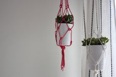 Rope hanging planter