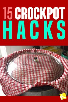 15 Slow Cooker Hacks You Probably Didn't Know About I love slow cooker chicken recipes and now I never have dry chicken. These crockpot hacks have helped me save so much time. Now I make healthy slow cooker recipes for easy weeknight meals all the time. Slow Cooker Huhn, Crock Pot Slow Cooker, Pressure Cooker Recipes, Slow Cooker Chicken, Slow Cooker Bread, Slow Cooker Meatloaf, Crock Pot Food, Crockpot Dishes, Crock Pots