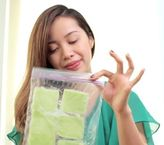 Say goodbye to puffy eyes with these #DIY ice cucumber pads! #MichellePhan #hydrate #relax