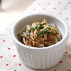 もやしのコクバター醤油炒め Japanese Dishes, Japanese Food, Junk Food, Japchae, Risotto, Food And Drink, Rice, Cooking Recipes, Ethnic Recipes