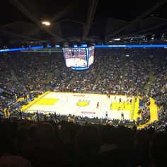 Go Warriors!! #sanfrancisco #goldenstatewarriors #basketball #iloveussportingevents