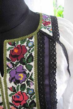 Збільшена фото святкового одягу Crochet Necklace, Model, Jewelry, Fashion, Moda, Jewlery, Jewerly, Fashion Styles, Schmuck
