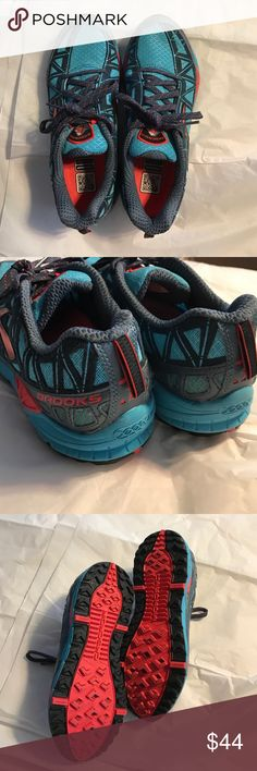 Brooks cascadia running shoes. Like new. Brooks cascadia running shoes. Like new. Only worn once, wasn't a good fit for me for running. My loss your gain. Color is more teal than a blue. 🚫trades. Offers welcome Brooks Shoes Athletic Shoes