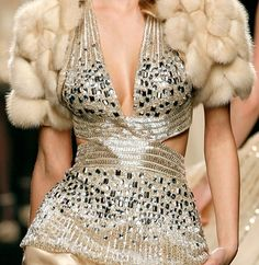 Shimmering dress for special occasion by Zuhair Murad Couture Fashion, Runway Fashion, High Fashion, Fashion Drug, Fashion Fall, Womens Fashion, Couture Details, Fashion Details, Glamorous Chic Life