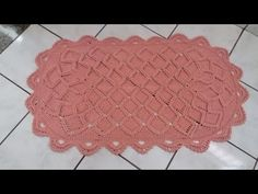 "Tapete oval "" Nibella"" (3/3) - YouTube Crochet Doily Diagram, Filet Crochet, Crochet Doilies, Crochet Flowers, Loom Knitting, Knitting Patterns, Crochet Videos, Crochet Necklace, Projects To Try"
