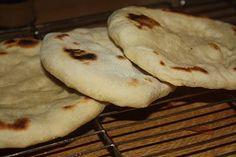 Glede: Stek brød i panna. Mashed Potatoes, Bread, Ethnic Recipes, Desserts, Food, Whipped Potatoes, Tailgate Desserts, Deserts, Smash Potatoes
