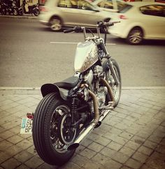 #harleydavidson #harley #sportster #bratstyle #bitwell #japan #japanstyle #jackrabbit #handlebar #gastank #lettering #yellowlight #burly #chopper #bobber #custom #kustom #santaisabel #mascorazon #Madrid #lavapies #zen #scremingeagle #2001 #2003 #harleydavidson #harley #sportster #bratstyle #japan #custom #chopper #kustom #lettering #gastank #velocitystack Hd Sportster, Harley Davidson Sportster, Custom Motorcycles, Custom Bikes, Iron 883, Jack Rabbit, Bobber Chopper, Bobbers, Japan Fashion