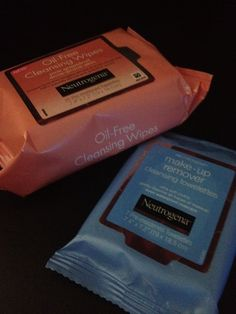 I may never wash my face with water and face wash again! Neutrogena cleansing wipes & makeup removing towelettes