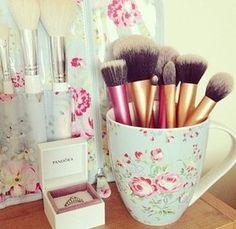 BESTOPE Makeup Brushes Premium Cosmetic Makeup Brush Set Synthetic Kabuki Makeup Foundation Eyeliner Blush Contour Brushes for Powder Cream Concealer Brush Rose Gold) - Cute Makeup Guide Pretty Makeup, Love Makeup, Beauty Makeup, Amazing Makeup, Crazy Makeup, Makeup Geek, Makeup Art, Huda Beauty, Makeup Addict
