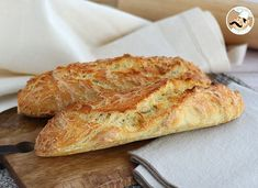 baguette de pain (DONE: very easy and tasty) No Knead Bread, Pan Bread, Baguette Express, Artisan Bread Recipes, French Baguette, Pain Baguette, Sicilian Recipes, Pan Dulce, Food To Make