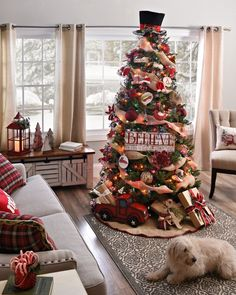 Make the transition in your house from Thanksgiving to Christmas in style! The best part of the holidays is decorating the Christmas tree! | #Christmasdecorations | Holiday decorations | Christmas Tree Decorations