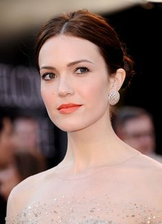 Subtle pop of lips and cheek. Stunning! I've got a crush on Mandy Moore.