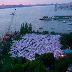 NYC Diner en Blanc-2014-Nelson A Rockefeller Park-Battery Park-White Dinner