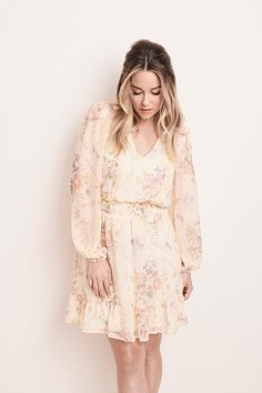 Step into style with this women's flounce dress from LC Lauren Conrad. Spring Outfits, Spring Clothes, Picnic Outfits, Grad Dresses, Casual Summer Dresses, Lc Lauren Conrad, Spring Fashion, Kohls, Florals