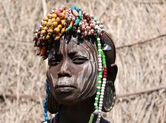 Jeremy Hunter - Mursi girl with bead head-dress Mursi Tribe, African Tribes, Medical Illustration, Colour Images, Perfect Photo, Ethiopia, Headdress, Royalty Free Photos, Art Images