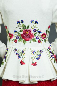 Wonderful Ribbon Embroidery Flowers by Hand Ideas. Enchanting Ribbon Embroidery Flowers by Hand Ideas. Embroidery Suits, Embroidery Fashion, Silk Ribbon Embroidery, Embroidery Dress, Floral Embroidery, Embroidery Designs, Embroidered Clothes, Sewing Clothes, Diy Fashion