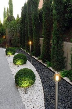 Asiatischer garten von fernando pozuelo landscaping collection asiatisch Find Asian Garden Designs by Fernando Pozuelo Landscaping Collection. Discover the most beautiful pictures for inspirati Driveway Landscaping, Small Backyard Landscaping, Landscaping With Rocks, Modern Landscaping, Landscaping Design, Hillside Landscaping, Paver Walkway, Backyard Designs, Backyard Privacy