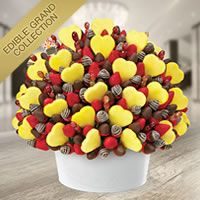 Fruit bouquets can make the perfect Valentines Day Gifts and our edible Valentines Day fruit arrangements with chocolate covered fruit make a great gift for him or her. Edible Fruit Arrangements, Edible Bouquets, Fruit Gifts, Edible Gifts, Fruit Decorations, Food Decoration, Fruit Cake Watermelon, Fruit Cakes, Fruit Buffet