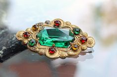 More green #voguet by Anat on Etsy