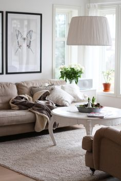 beautiful white coffee table