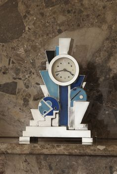 Kelly Gallery:  Clock by Jean Goulden, 1928.  In the Art Deco exhibition by the Kelly Gallery.