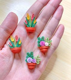 Paper Quilling For Beginners, Paper Quilling Tutorial, Paper Quilling Cards, Paper Quilling Jewelry, Paper Quilling Patterns, Neli Quilling, Origami And Quilling, Quilled Paper Art, Quilling Paper Craft