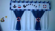 cortina com 3 partes  cortina com forro 2mt de cada lado x 1,50cm  bandô 2 mt x 45 cm R$ 180,00