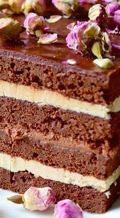 Chocolate Layered Opera Cake with coffee buttercream and chocolate ganache (chocolate buttercream frosting with coffee) Sweet Recipes, Cake Recipes, Dessert Recipes, Entremet Recipe, Ganache Recipe, Just Desserts, Delicious Desserts, Coffee Buttercream, Buttercream Frosting