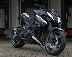 I'm in love!!! Monster Kawasaki Z1000