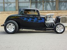 Nicely done 32 - 3 window. Custom Hot Wheels, Custom Cars, Classic Hot Rod, Classic Cars, Us Cars, Race Cars, Chevy Ssr, Cool Old Cars, Traditional Hot Rod