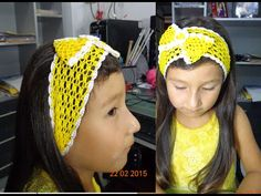 BANDA O VINCHA TEJIDA PARA EL CABELLO PASO A PASO - YouTube Bandanas, Mittens, Headbands, Crochet Hats, Fashion, Head Bands, Headband Crochet, Hair Streaks, Volleyball Hair Bows
