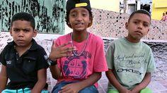 Salve pessoal para começar bem o domingão assistam o vídeo do meu filho MC Mirim com a música Versos Impactantes.  paz..