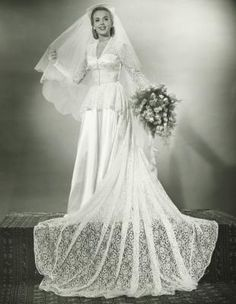 Bridal Gowns of the '30s | eHow