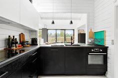 Miete Ferienhaus 1285-N in Rådyrvej 4, Tisvildeleje Danish Interior Design, Kitchen Island, Kitchen Cabinets, Home Decor, Cottage House, Decorating, Island Kitchen, Decoration Home, Room Decor
