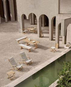 Timeless Outdoor Furniture by Carl Hansen and Son. Outdoor furniture is experiencing a bit of a renaissance at the moment, I think in part because we're turning our attention more and more to the way we want to experience our outdoor spaces. A perfect example of this is Carl Hansen's outdoor furniture collection. Discover more on Hege in France - Scandinavian Interior Design Blog #danishdesign #carlhansen #outdoorfurniture Houses Architecture, Futuristic Architecture, Amazing Architecture, Architecture Design, Architecture Model Making, Mediterranean Architecture, Architecture Diagrams, Architecture Portfolio, Building Furniture