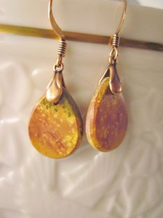 Here we have a set of matched semi-precious gemstone earrings! Adds a chic and elegant look to any outfit! Picasso Jasper has been used to