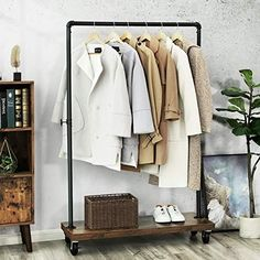 Standing Clothes Rack, Standing Closet, Design Industrial, Industrial Pipe, Vintage Industrial, Heavy Duty Clothes Rack, Cheap Clothes Rack, Portable Clothes Rack, T-shirt Und Jeans