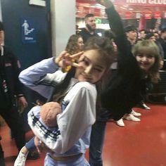 lisa pics (@milkylisapics) | Twitter Kpop Girl Groups, Korean Girl Groups, Kpop Girls, Yg Entertainment, K Pop, Black Pink Kpop, Jennie Kim Blackpink, Blackpink Memes, Jackson