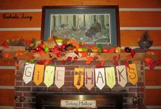 """A """"Give Thanks"""" banner for craft for Thanksgiving. My family loves this Thanksgiving bunting and hangs is every year! :-)"""