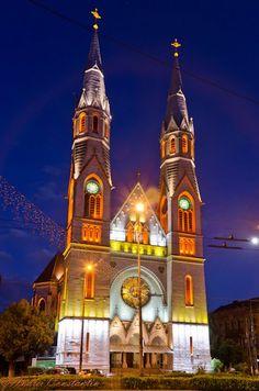 Catedrala Catolica din Piata Balcescu - autor Andrei Constantin Wonderful Places, Beautiful Places, Timisoara Romania, Notre Dame, Travel Destinations, Around The Worlds, Country, Live, Building