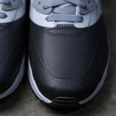 509556a82b1 Nike Men Air Max 90 Premium Se grey wolf grey anthracite-cool grey-black