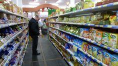 El Indec registró en enero una caída superior al 3% en el consumo de las familias