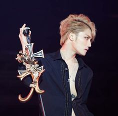 Jaejoong voted most likely to win the Synnara Record's 2013 Grand Music Award   http://www.allkpop.com/article/2013/11/jaejoong-voted-most-likely-to-win-the-synnara-records-2013-grand-music-award