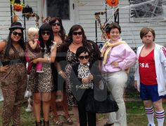 I just had to pin cuz it was so awesome! Honey Boo Boo's fam as the Kardashians.