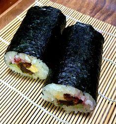マグロ、大葉、かんぴょう、玉子、胡瓜、椎茸、桜でんぶ - 1件のもぐもぐ - 七種 恵方巻き by harukaze